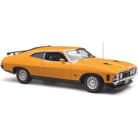 CLASSIC CARLECTABLES 1/18 Ford XA Falcon Coupe Yellow