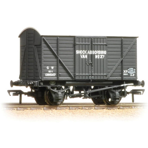 BRANCHLINE 12 Ton Planked Shock Absorbing Van Planked Ends GWR Grey