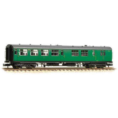 GRAHAM FARISH Bulleid 63ft Brake Third Corridor Open BR (SR) Malachite Green