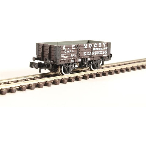 Image of GRAHAM FARISH N 5 Plank Wagon Wooden Floor 'A. E. Moody'