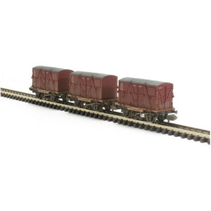 GRAHAM FARISH Triple Pack Conflat Wagons BR Crimson BD Container Weathered