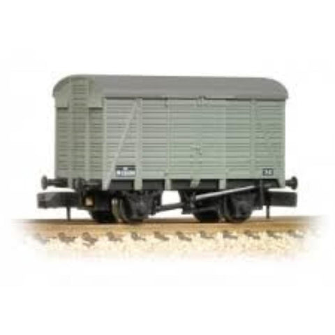 GRAHAM FARISH 12 Ton Southern 2+2 Planked Ventilated Van BR Grey - Hearns Hobbies Melbourne - GRAHAM FARISH