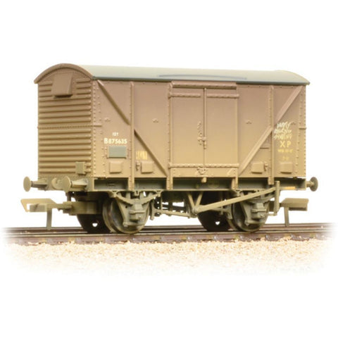 BRANCHLINE 12 Ton BR Plywood Fruit Van BR Bauxite (Early) Weathered