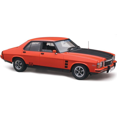 CLASSIC CARLECTABLES 1/18 Holden HX GTS - Mandarin Red (43-18660)