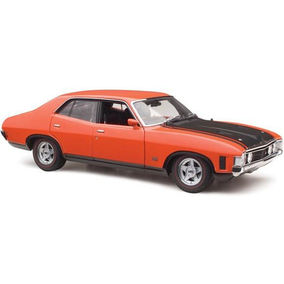 CLASSIC CARLECTABLES 1:18 FORD XA FALCON PHASE IV GT-HO (43-18677)
