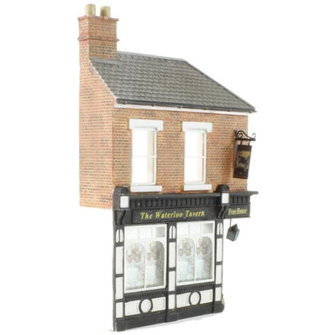 SCENECRAFT OO  Low Relief Corner Pub 65mm x 19mm x 109mm