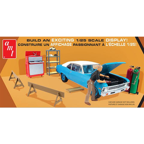 AMT 1:25 Garage Accessory Set No1 2T