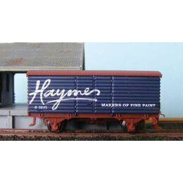 AUST-N-RAIL N - VR U Van Haymes Paint with Microtrains coup