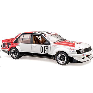 CLASSIC CARLECTABLES 1/18 VH Commodore 1983 ATCC