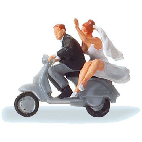 PREISER Wedding Couple on Vespa