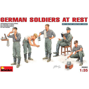 MINIART 1/35 German Soldiers at Rest
