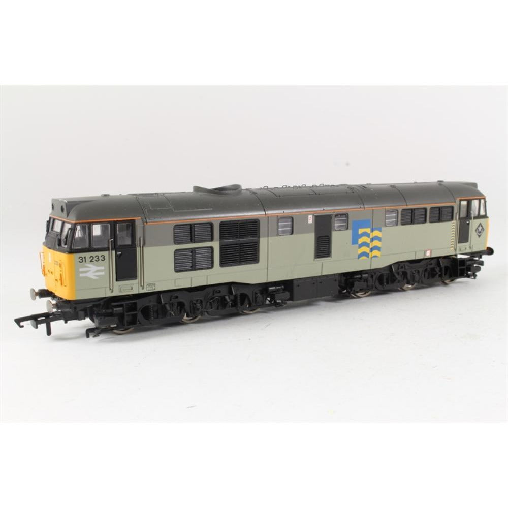 HORNBY Class 31 diesel electric 31233 in Railfreight Subsec