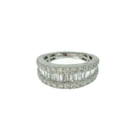 18kt White Gold Baguette And Round Diamond Band 1.73cts