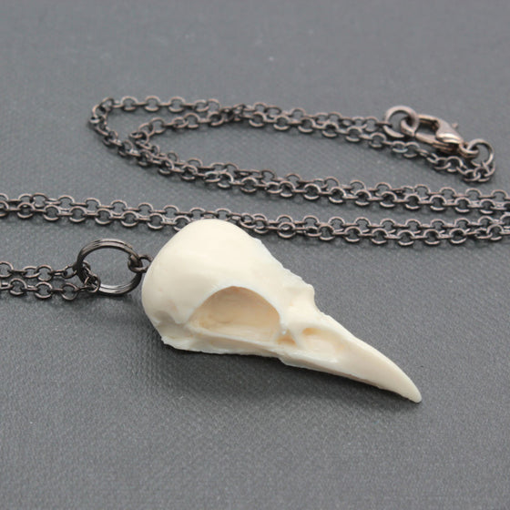 mini magpie skull necklace