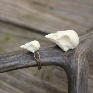 mini sparrow skull ring