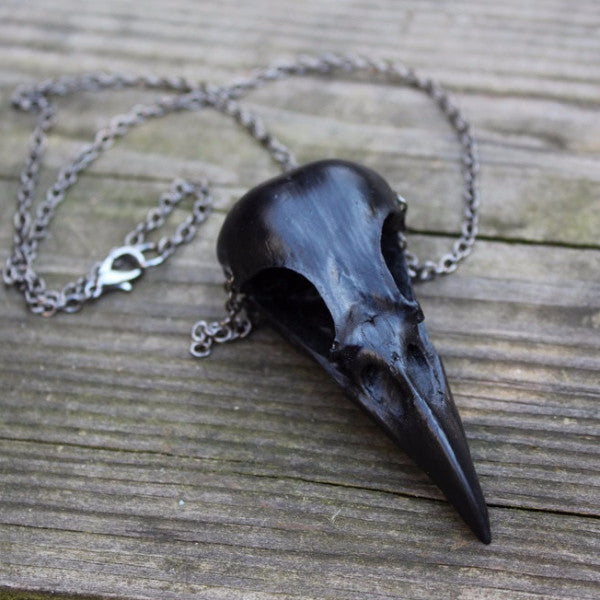 black magpie skull necklace