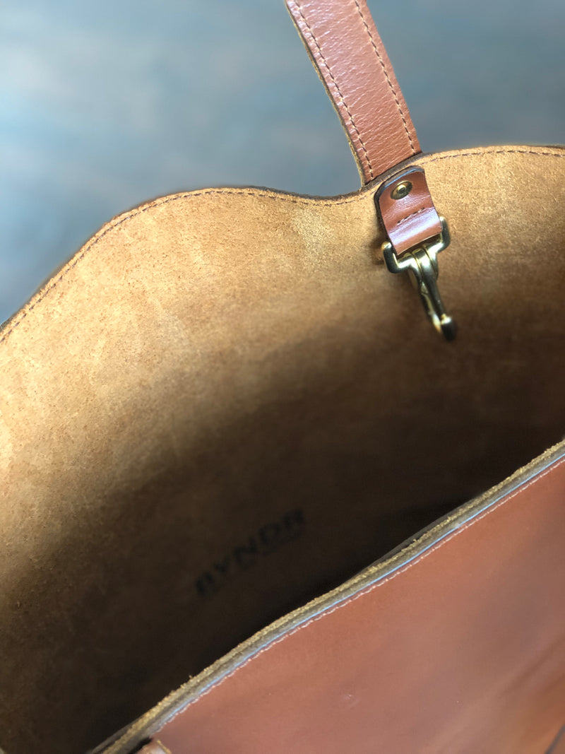 BROWN TOTE - BYNDR LEATHER GOODS
