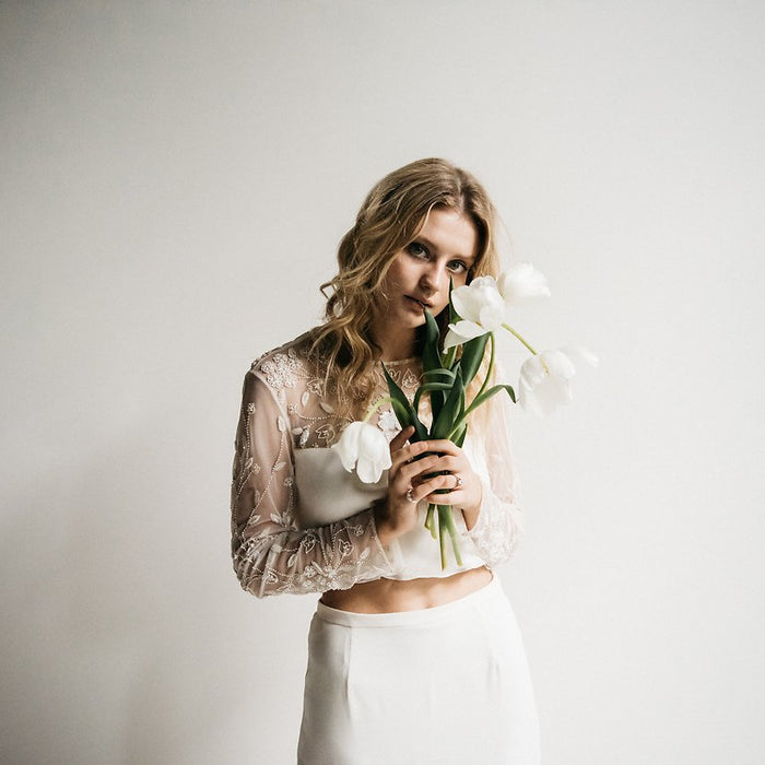 FLOW - Minimalist Wedding Inspiration - Feathers and Stone