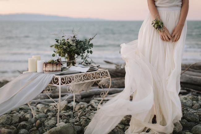 Styled Shoot / Lighthouse Elopement, New Zealand