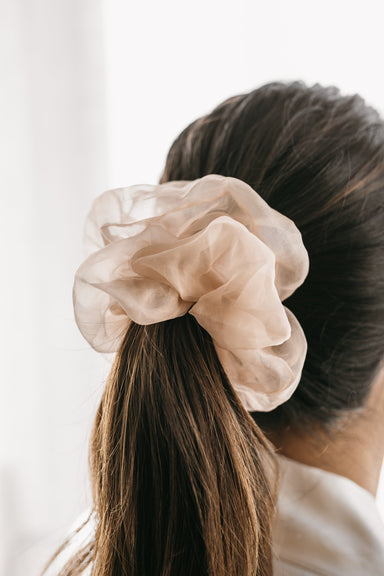 SILK ORGANZA SCRUNCHIE - Feathers and Stone