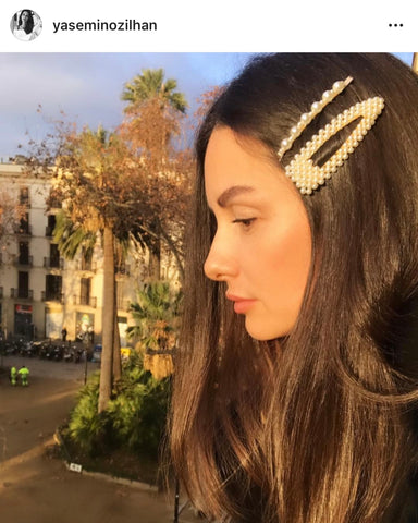 @yaseminozlhan VALET and Reliquia Fabiana Pearl Hair Clip
