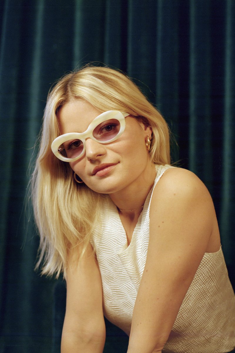 POMS 'Sabina' Sunglasses – Ivory with Amethyst - THENINETYNINE