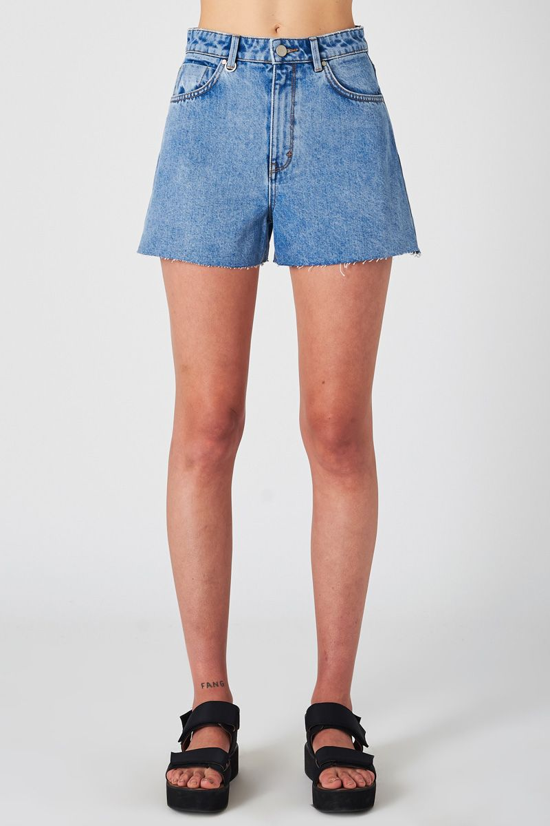 NEUW 'Ryder' Denim Shorts – Serene Blue - THENINETYNINE
