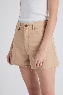 NEUW 'Ryder' Denim Shorts – Sand - THENINETYNINE