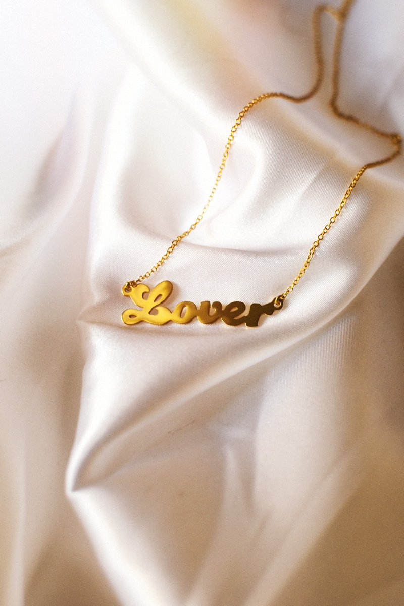 Lover Nameplate Necklace – 18k Gold Plated
