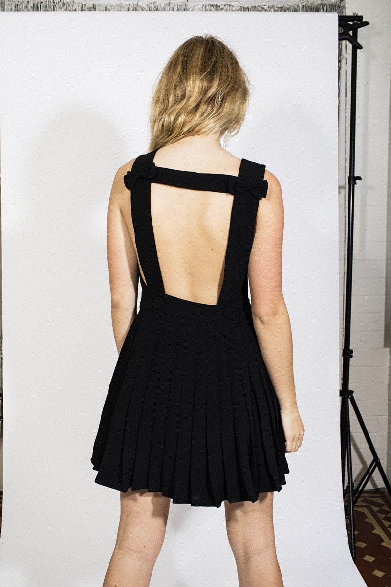 L'ecole Des Femmes Backless Bow Dress – Black - THENINETYNINE
