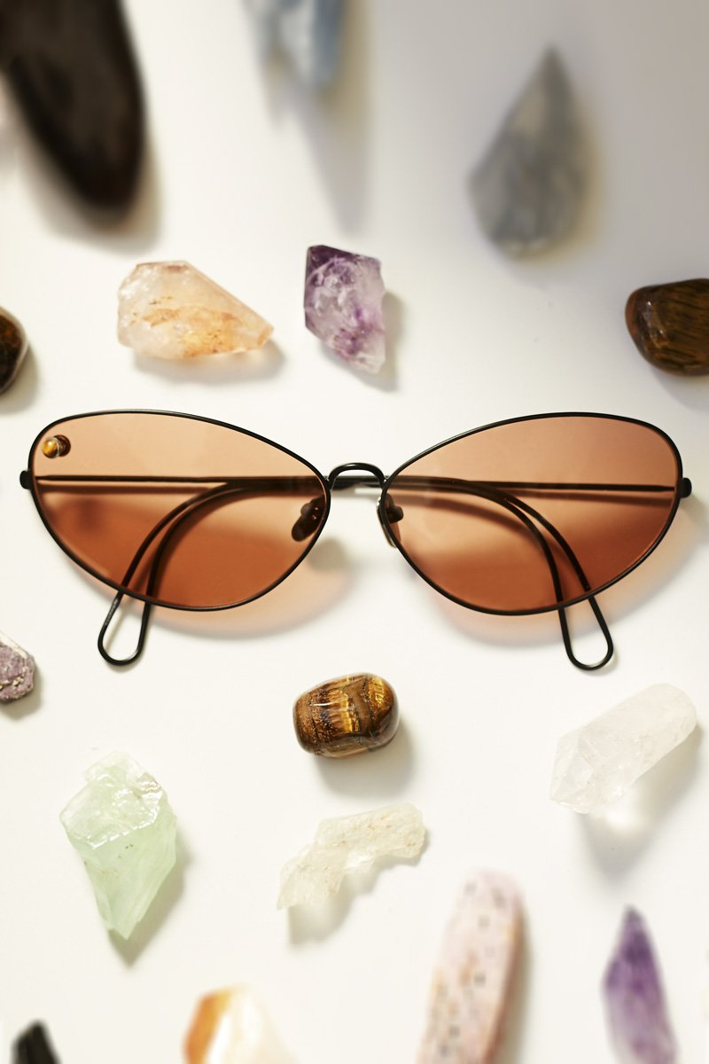 POMS 'Ello' Sunglasses – Black and Tan with Tiger Eye - THENINETYNINE