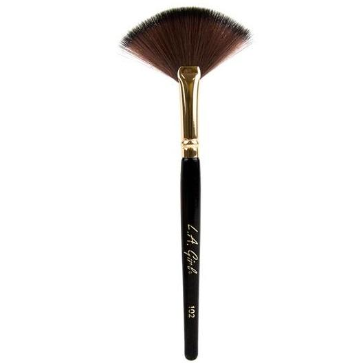 fan-brush-la-girl-makeup-brush