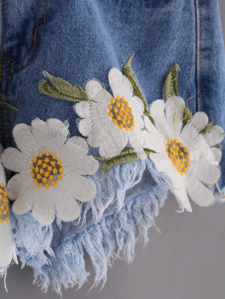 Frayed Embroidered Flower Applique Blue Denim Shorts - The Style Syndrome  - 3
