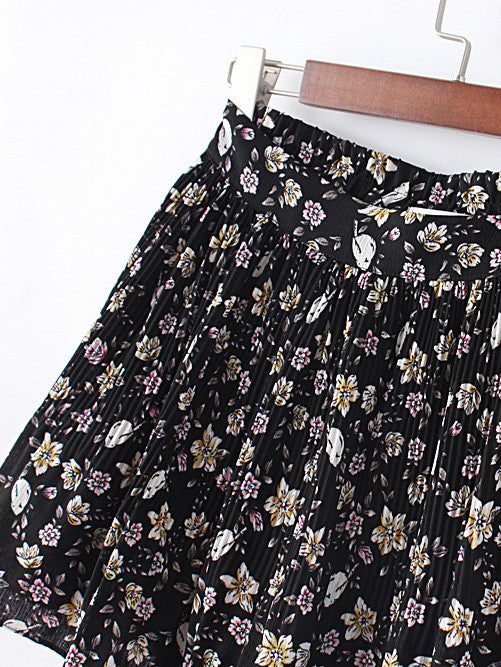 Floral Elastic Waist Ruffle Shorts - The Style Syndrome  - 2