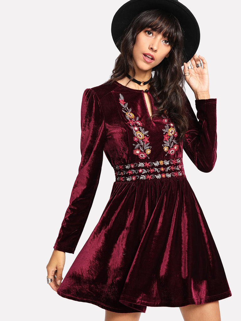 RZX Buttoned Keyhole Front Embroidered Velvet Dress