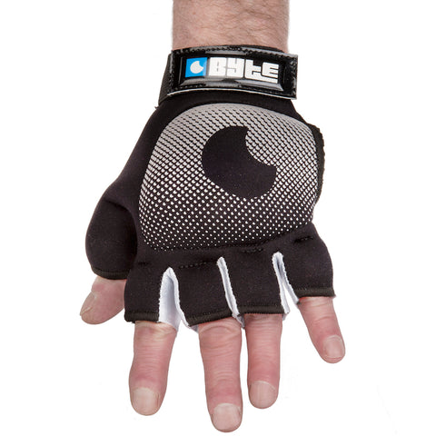 BYTE LEFT HAND KNUCKLE GLOVE BLACK SILVER