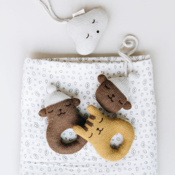 Teddy hanging rattle - WIIKWAM