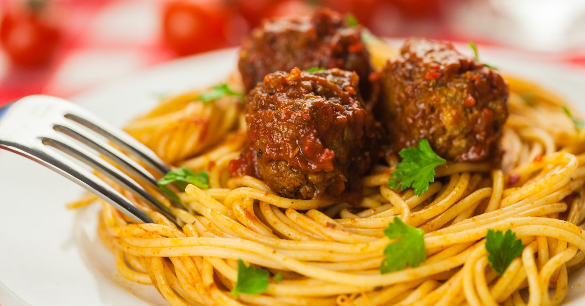 SPAGHETTI WITH CHILLI & MEATBALLS