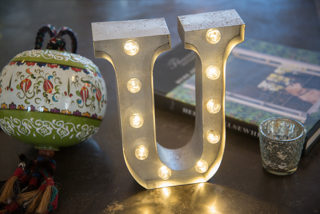"9"" (U) WOOD MARQUEE LETTER"