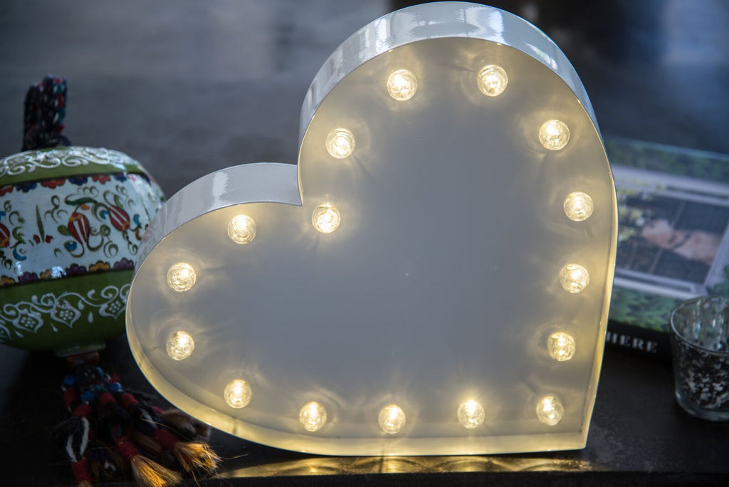 "12"" HEART METAL MARQUEE"