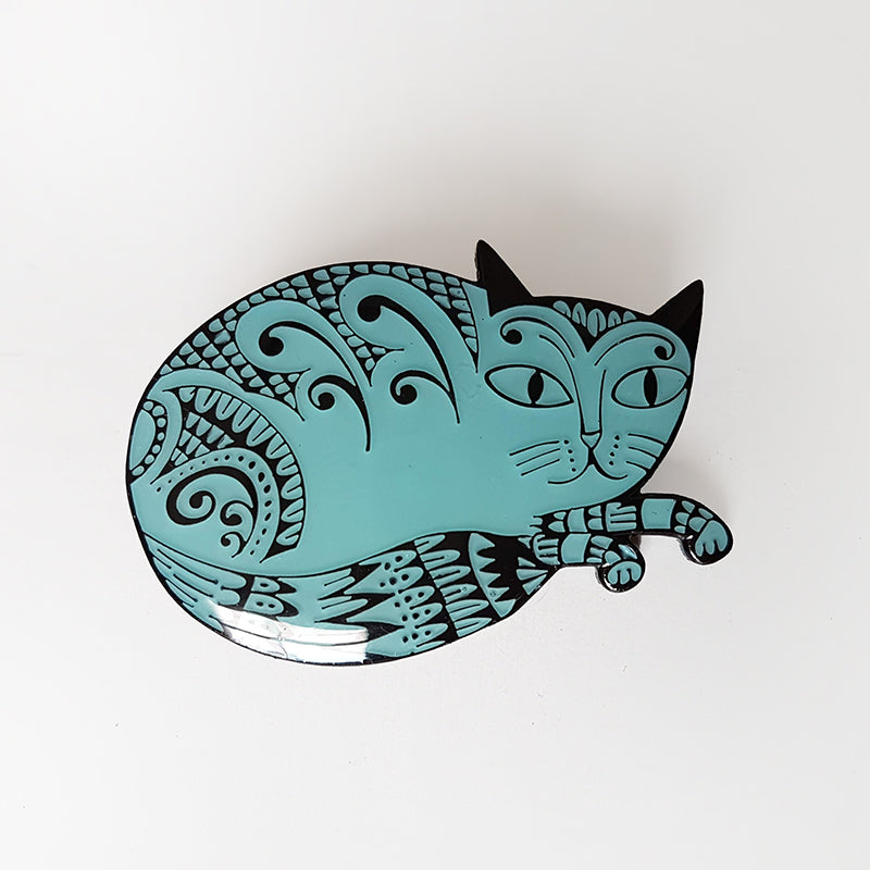 Enamel cat-shaped brooch in light blue