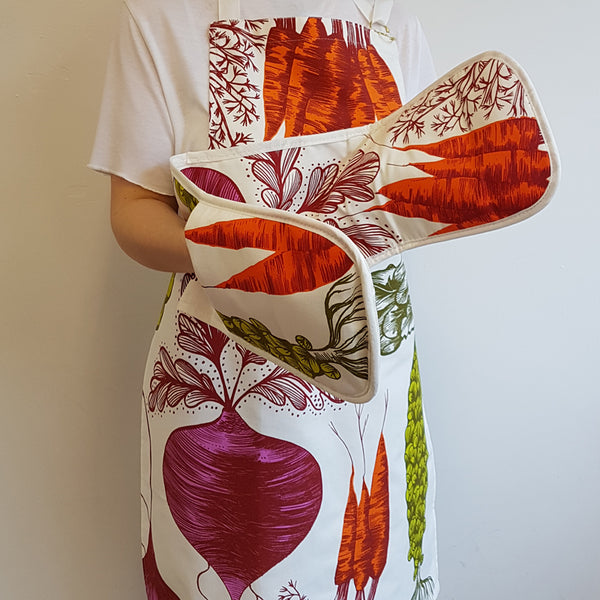 Vegetable Apron and Oven Gloves