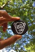 Wildish Pin Button Black in Hand