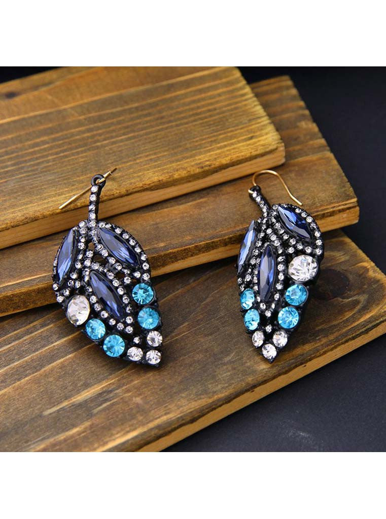 Black Crystal Leaf Design Drop Earrings (4)