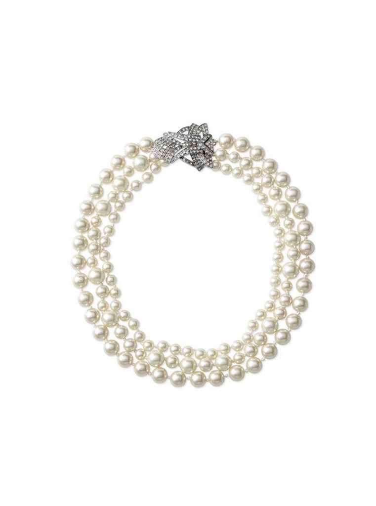 Three layered pearl necklace