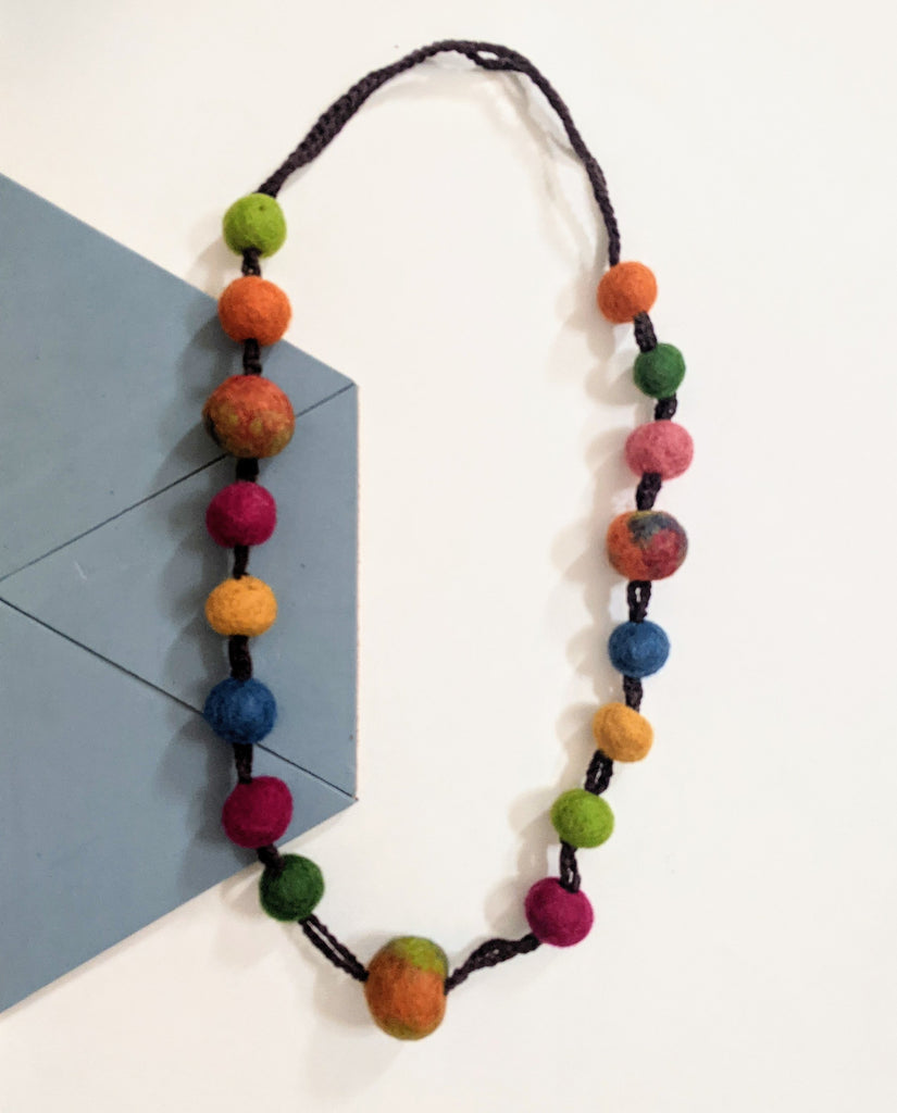 aromatherapy felt necklace