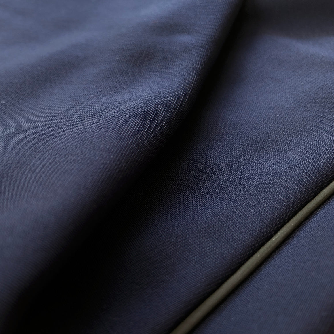 Essential Arm Warmers — Roubaix Thermal — Dark Navy