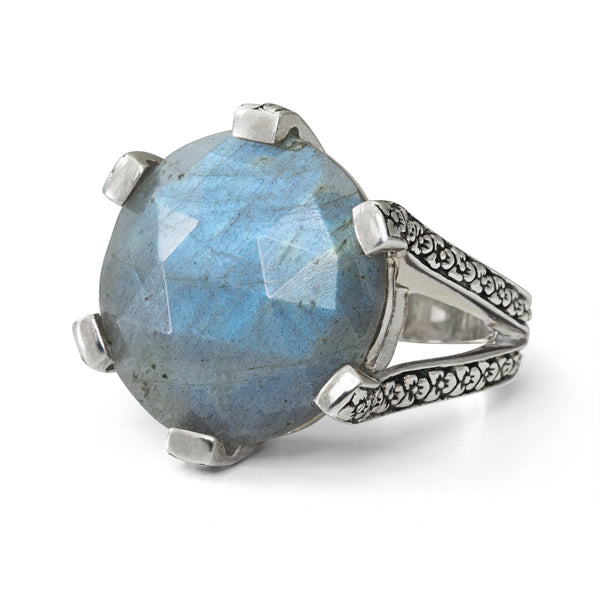 Labradorite Flower Engraved Ring