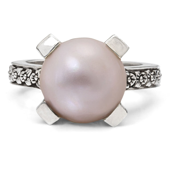 Gold Mabé Pearl Flower Engraved Ring