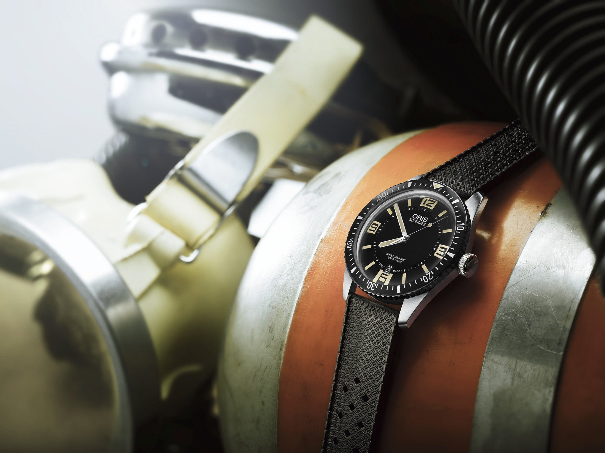 Retro Vibe Delivered: The Oris Sixy-Five 65 Diver Watch